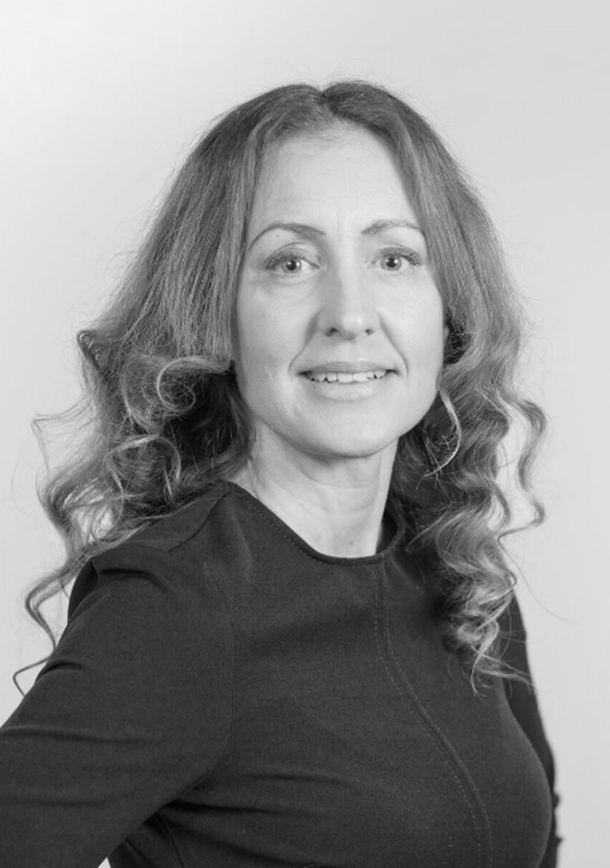 DR. SASKIA ESCHMANN